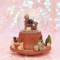 ZWRY Schneekugeln Romantische Kristallkugel Schneeball mit Leichter Musik Rotation Schneekugel Geschenke Wohnkultur Bär-B