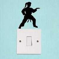 Hhuycvff vwuig Silhouette Karate Female Sport Home Zimmer Wandtattoo PVC Schalter Aufkleber